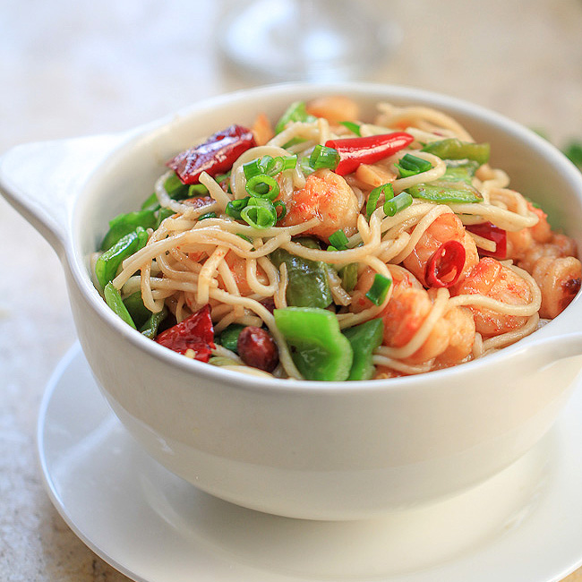 Easy shrimp chow mein china sichuan food easy shrimp chow mein forumfinder Choice Image