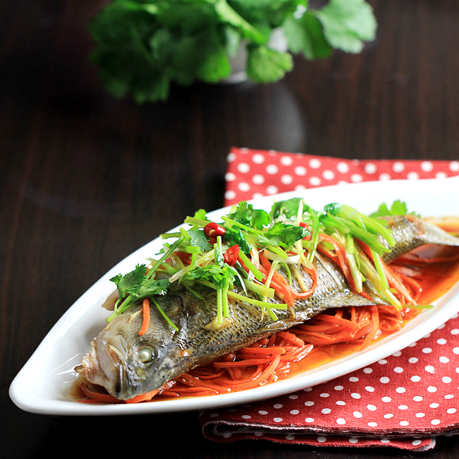 Chinese steamed fish china sichuan food for Chinese steamed fish
