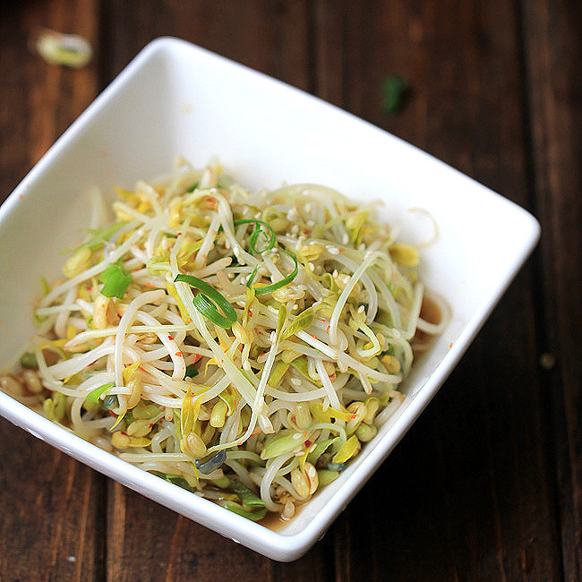 Mung Bean Sprouts (How to Sprout Mung Bean at home and ...