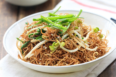10 yummy chinese noodle recipes china sichuan food soy sauce fried noodles 400 forumfinder