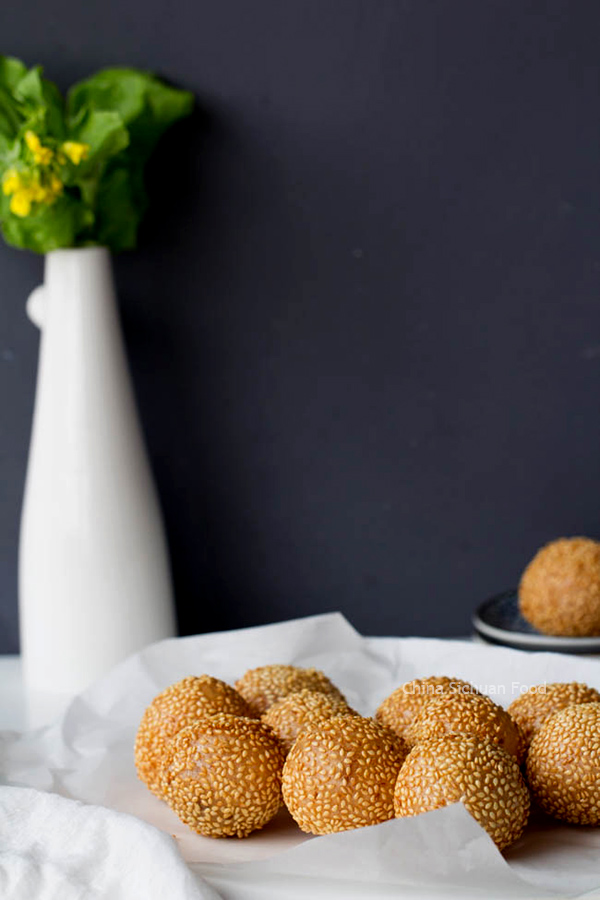 fried sesame balls