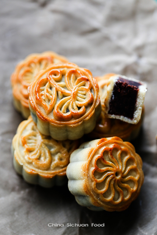 mooncakes made with honey