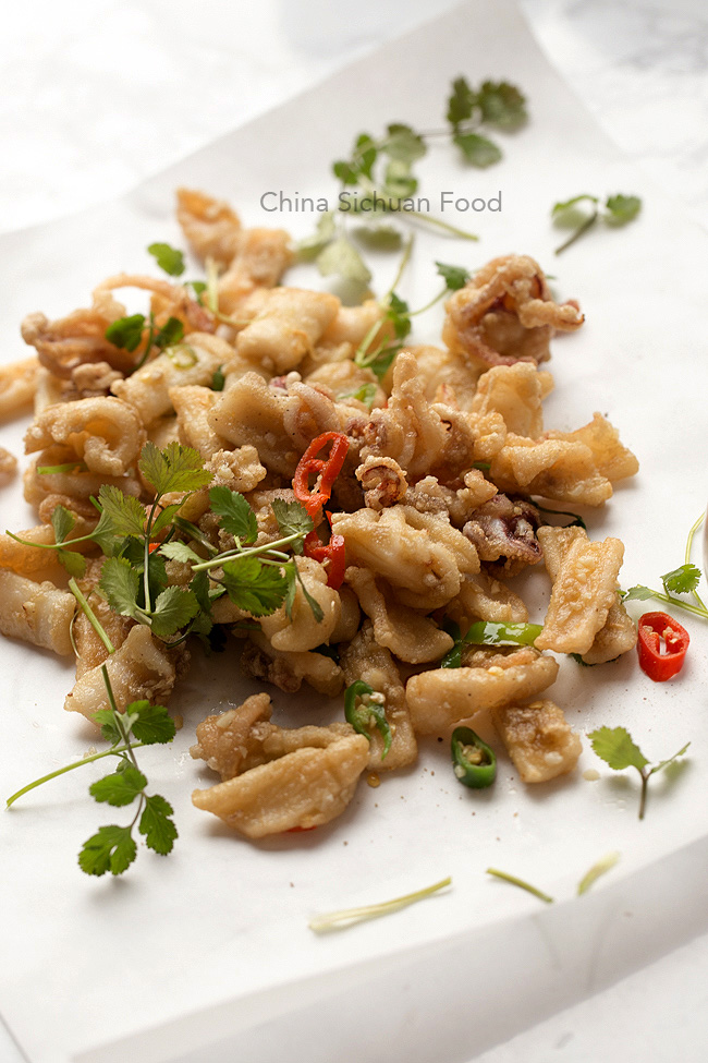 salt and pepper squid | chinasichuanfood.com