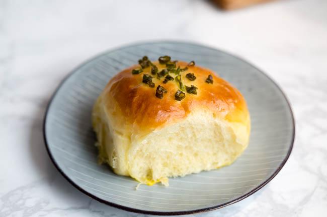 green onion bread | chinasichuanfood.com